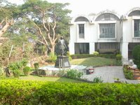 The gardens of the Mahavihara, TBMSG's largest centre in Pune