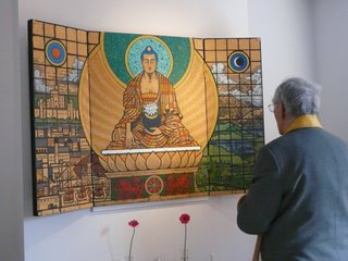 Sangharakshita inaugurating a new triptych by Aloka at the Cardiff Buddhist Centre